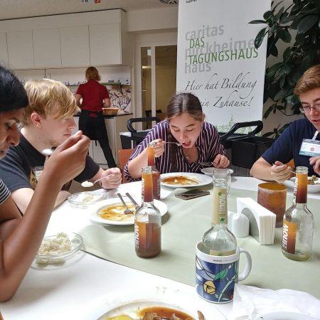 Mittagessen beim Seminar